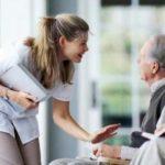 Как проявить заботу о пожилом человеке?